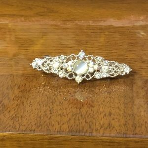 Accessories - Beautiful silver with stones hair barrette